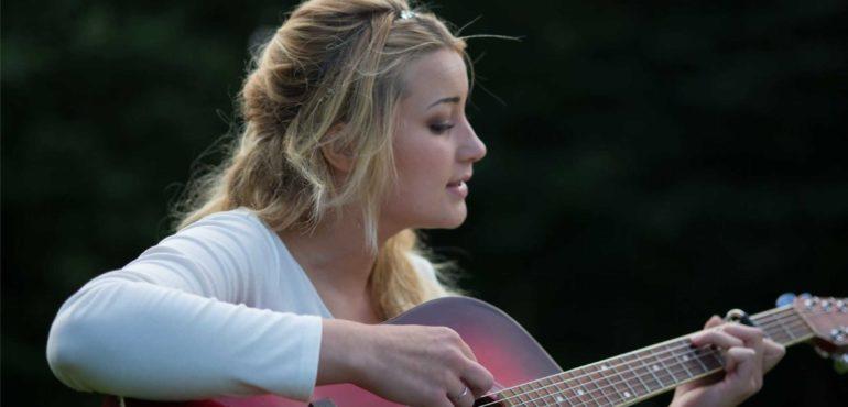 gli-straordinari-effetti-benefici-che-la-musica-e-il-canto-hanno-sul-corpo-mente-ed-emozioni